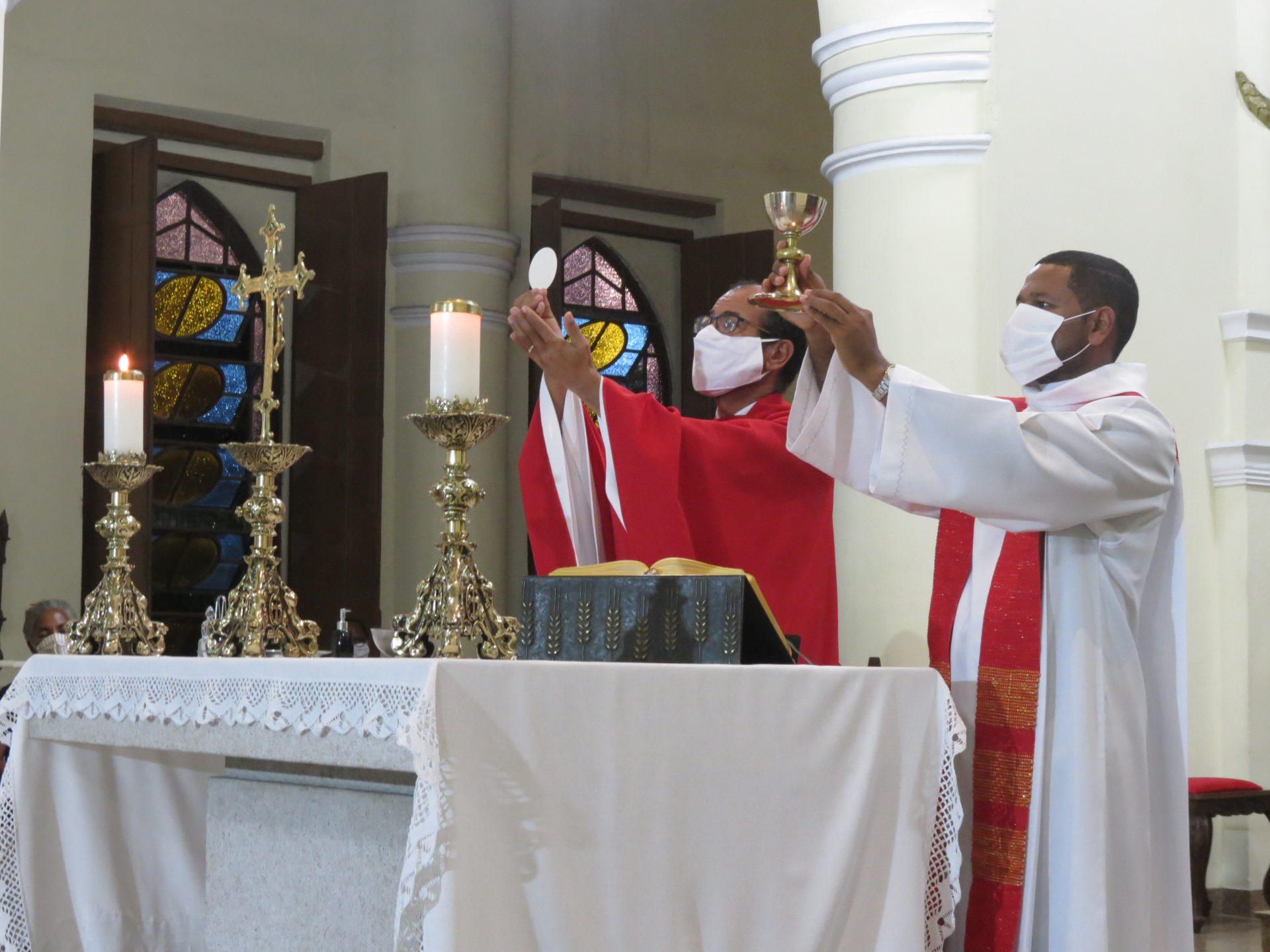 Celebração Eucarística | Exaltação da Santa Cruz