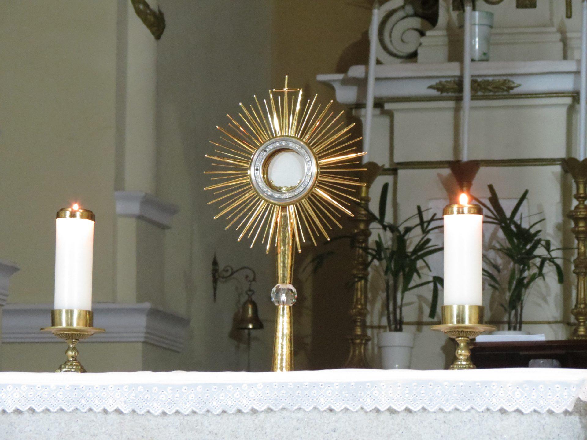 Adoração ao Santíssimo na 1ª Quinta-feira de Novembro