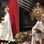 O Papa não preside os ritos de fim e início de ano por causa de uma ciatalgia